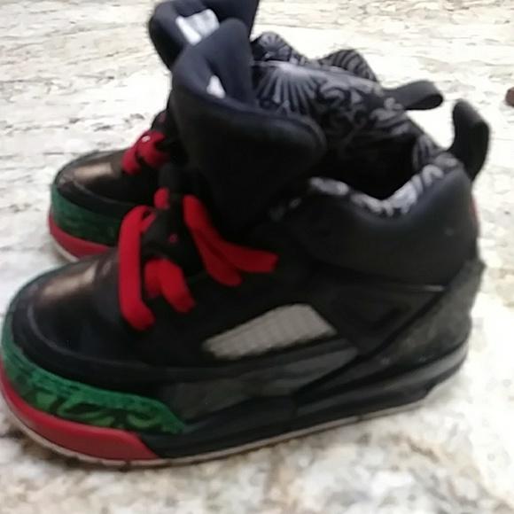 huge discount 6d4e1 5335e Baby Jordans Size 6 children's